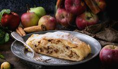 Štrúdl s jablky: Osvědčené triky našich babiček | Magazín | Recepty.cz Cake Stock, Blueberry Cake, Comfort Food, Apple, Fruit, Cooking, Ethnic Recipes, Raisin, Cook