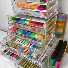 Mi cuarto craft organization, craft room storage y organization. Stationary Organization, Craft Organization, Organizing Art Supplies, Art Supplies Storage, Stationary Supplies, School Supplies Organization, Organising, Art Storage, Craft Room Storage