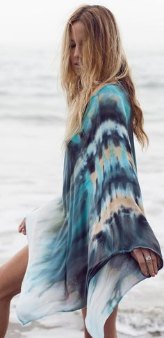 Tie-Dye Ponchos Fabulous on the beach or over your jeans / white pants / shorts. Shop the look at htt:// Gypsy Style, Bohemian Style, Boho Chic, Chic Choc, Looks Style, My Style, Trendy Style, Curvy Style, Boho Fashion