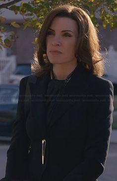 Alicia's blazer with gold closure on The Good Wife.  Outfit Details: http://wornontv.net/23235/ #TheGoodWife