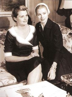 Grace Kelly with sister Lizette Classic Hollywood, Old Hollywood, Princesa Grace Kelly, Camille Gottlieb, Prince Of Monaco, Patricia Kelly, The Kelly Family, Kelly Monaco, Grace Beauty