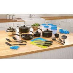 Mainstays 40-Piece Aluminum Essential Kitchen Set - $19.97! Back to Dorm! - http://www.pinchingyourpennies.com/mainstays-40-piece-aluminum-essential-kitchen-set-19-97-back-to-dorm/ #40Pieces, #Kitchenset, #Pinchingyourpennies, #Walmart