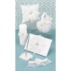 Celebrating a Vintage Wedding Theme - Shop our Feathered Flair White Collection