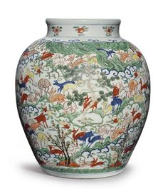 A LARGE AND IMPORTANT WUCAI 'HUNDRED DEER' VASE  WANLI MARK AND PERIOD