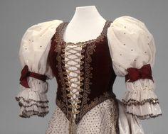 Hungarian court dress of Countess Majláth, 1867