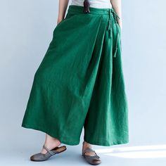 Green loose pants
