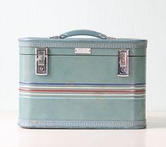 Vintage Train Case - Amelia Earhart brand luggage. $48.00, via Etsy.