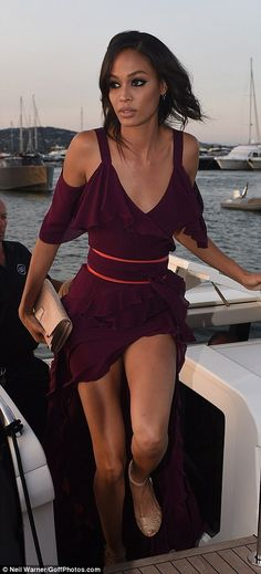 Doutzen Kroes struggles to maintain her modesty at Leonrado DiCaprio's event in St Tropez | Daily Mail Online