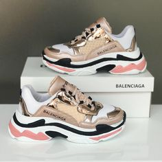 ideas sneakers balenciaga nike for 2019 Cute Sneakers, Shoes Sneakers, Sneakers Outfit Nike, Lv Shoes, Sock Shoes, Sneakers Balenciaga, Chanel Sneakers, Chanel Shoes, Balenciaga Basket