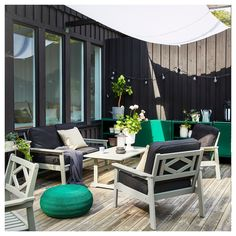 A stylish and spacious outdoor space - IKEA Ikea Outdoor, Outdoor Living, Outdoor Decor, Outdoor Armchair, Outdoor Sofas, Outdoor Spaces, Ikea Family, Courtyards