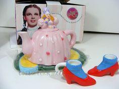VANDOR Wizard of Oz Glinda the Good Witch Mini Tea Set Year 2000 #Vandor $79.95