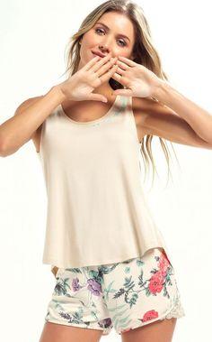 9001 - Camisola alça - Mixte Pijamas Pijamas Women, Moda Casual, Sleepwear Women, Fashion Outfits, Womens Fashion, Pyjamas, Nightwear, Unisex, Ideias Fashion