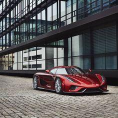 Really awesome!! Koenigsegg Regera #koenigsegg #koenigseggregera #showcar #sportcars #supercars #awesomecars #awesome #racing #racecar #race #mydriftfun