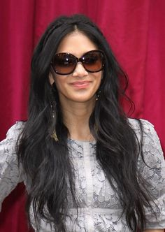 perfect hair and skin! Nicole Scherzinger Hair, Goddess Hairstyles, Ladies Hairstyles, Pretty Braids, Her Hair, Sunglasses Women, Long Hair Styles, Lady, Beauty