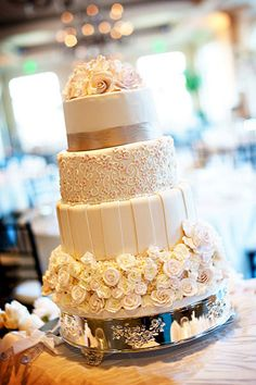 Mix-and-Match Patterns: balance the cake with florals on the top and bottom...Sweet Bliss