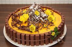 Gul Påske Kake (caprifol) Fika, Easter Recipes, Tupperware, Happy Easter, Nom Nom, Food And Drink, Cupcakes, Yummy Food, Sweets