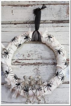 Spiders and bones wreath...I have all of this!