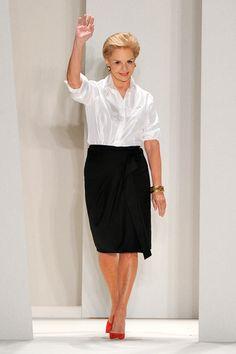 La elegancia enfrascado en una mujer  Carolina Herrera.
