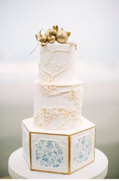 These modern wedding cake trends are truly scrumptious. From abstract cake shapes to wafer paper cake techniques, you will not find boring here. If you want to explore more of the beautiful dessert ideas that are gripping the wedding world, read on to see these unique cake techniques in action for the ultimate wedding inspiration. #weddingcakes #cakedecorating #cakedesigns #modernweddingcake Diamond Wedding Cakes, Cake Wedding, Cake Pops, Paper Cake, Wafer Paper, Cake Designs Images, Modern Cakes, Cake Shapes, Wedding Trends