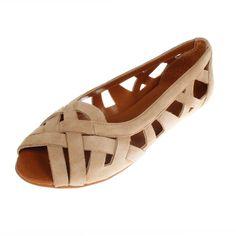 La Garconne Shoes, Doreen, #doreen #lagarconne #lagarconneshoes #switzerland #swissdesign #swiss #schweiz #schuhe #branding #shoes #summer #summersandals #summershoes #spring #springshoes #springsandals #sand #sandybeach #fashion #shoedesign #riverside #branding #shoebrand