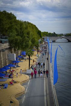 Paris Plages - temporary beaches along the Seine