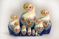 "10 Piece ""Vyatskaya Matryoshka"" Lace, number 01584 - 95 с поталью Matryoshka Doll, Kokeshi Dolls, Doll Painting, Arte Popular, Hello Dolly, Russian Art, Wooden Dolls, Folk Art, Creations"