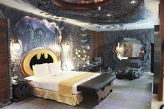 Una habitación de hotel estilo Baticueva