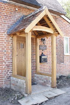 Oak Porches from Suffolk Country Oak, Traditional Oak Joiners based in Suffolk w. - Oak Porches from Suffolk Country Oak, Traditional Oak Joiners based in Suffolk who specialise in be -
