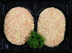2x traditional butcher sausage mince molded into patties and coated with our coarse bread crumbs.