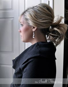 Tutorial video for pony tail with poof at crown.  Lots of hair tutorials on this blog by pro hair dresser