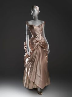 Charles James wedding dress, 1948-49  From the Metropolitan Museum of Art Pinterest