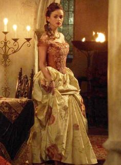 """love the costumes from """"Reign"""" Reign Fashion, Fashion Tv, Marie Stuart, Reign Tv Show, Reign Mary, Reign Dresses, Rose Williams, Signature Look, Period Costumes"""