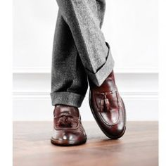 For the Perfect Gentleman - With over 50 years of experienced craftsmanship, Italian based shoe makers Fratelli Rosetti make their mark at Crane Brothers. Sock Shoes, Men's Shoes, Shoe Boots, Dress Shoes, Sharp Dressed Man, Well Dressed Men, Gentleman's Wardrobe, Gentleman Shoes, Looks Style