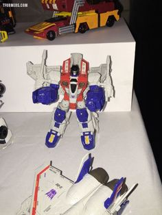 #SDCC17 2017 - More Photos From The Hasbro Breakfast! New Crash Combiners, More Power Of The Primes, The Last Knight!