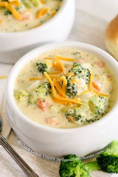 This delicious soup is made from scratch in 20 minutes! The perfect meal to warm you from the inside out on a chilly day! Best Recies on A - food 20 Minute Broccoli Cheese Soup! This delicious soup is made Broccoli Cheese Soup, Broccoli Cheddar, Cheddar Cheese, Broccoli Chicken, Fresh Broccoli, Broccoli Rice, Broccoli Salad, Broccoli Soup Recipes, Broccoli Cauliflower