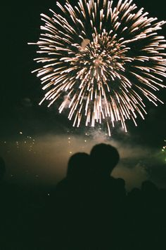 Image discovered by sündos. Find images and videos about love, couple and night on We Heart It - the app to get lost in what you love. Fire Works, Bonfire Night, Photos Voyages, Foto Art, Hopeless Romantic, New Years Eve, Cute Couples, Wattpad, Landscape Photography