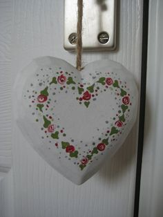 Anne couldn't wait to decorate this heart with her dotty roses