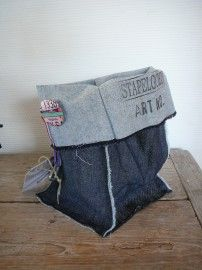 bins made from old jeans + Opbergzak jeans van Stapelgoed