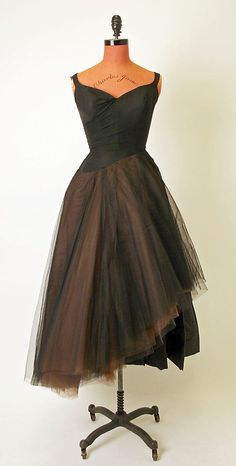 1950 to 51 Charles James Evening dress Metropolitan Museum of Art, NY #retro #partydress #romantic #feminine #fashion #vintage #designer #classic #dress #highendvintage