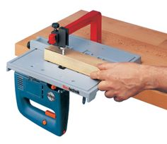 Stichsägetisch Super-Set - Auswahl - Neutechnik-Werkzeug-Shop - Made in GermanyJigsaw Table + Accessories - actro-plasts Jimdo-Page!Jigsaw Table Faults and Fixes - Straight Cut - Blade Guide - Woodworking hacks…Jigsaw Table works since 30 A Kreg Tools, Wood Tools, Diy Tools, Woodworking Jigsaw, Woodworking Furniture, Woodworking Projects, Jigsaw Table, Tool Board, Homemade Tools