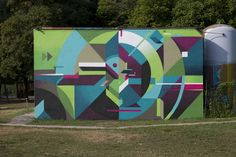 Vibrantly colorfuled, geometric graffiti pieces by Nelio Graffiti Art, Graffiti Piece, Reverse Graffiti, Urbane Kunst, School Murals, Mural Art, Land Art, Art Forms, Street Art