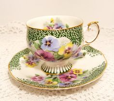 Antique Tea Cups, Vintage Teacups, Cuppa Tea, Teapots And Cups, China Tea Cups, My Cup Of Tea, Teller, Tea Cup Saucer, Drinking Tea