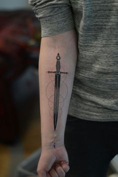 Sword done by Lars Lunsing @ Nozem barbers and tattoo in Emmen the Netherlands Shield Tattoo, Sword Tattoo, Badass Tattoos, Tattoos For Guys, Cool Tattoos, Music Tattoos, Body Art Tattoos, Spartan Tattoo, Forearm Tattoos