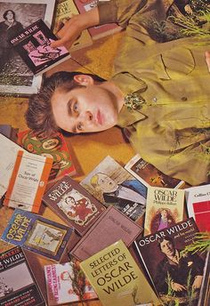 Guess what author Morrissey likes to read. Ill give you thr  Oh. You guessed it.