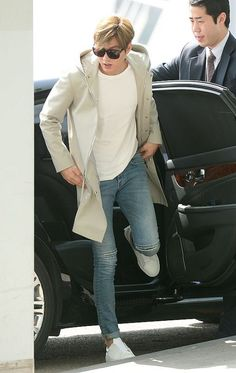 Airport Fashion: Lee Min Ho in Saint Laurent and Projekt Produkt