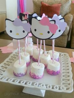 Perfect for Rachel's birthday! Jumbo Marshmallow pops at a Hello Kitty Party Perfect for Rachel's birthday! Jumbo Marshmallow pops at a Hello Kitty Party Kitty Party, Hello Kitty Theme Party, Hello Kitty Themes, Diy Hello Kitty Birthday Party Ideas, Birthday Ideas, Bolo Da Hello Kitty, Hello Kitty Cupcakes, Decoracion Hello Kitty, Anniversaire Hello Kitty