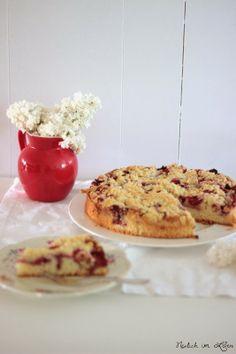 Erdbeer-Rhabarberkuchen und das Leben wie es sein sollte
