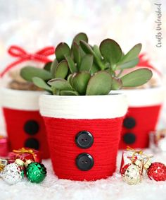 DIY Christmas Treat Holder: Santa Cup - Consumer Crafts - - I feel like you just can't go wrong with a fun Santa craft project like these adorable yarn wrapped Santa DIY Christmas treat holders. Diy Christmas Gifts For Friends, Homemade Christmas Gifts, Christmas Treats, Handmade Christmas, Christmas Diy, Christmas Decorations, Christmas Presents, Christmas Plants, 242