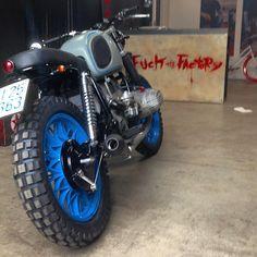 #BMW #R65 #TORCIDA #motorcycle #garagemotors #venicecanals ##vintage #offroad #colorful #newsuspension #newstyle #scrambler #enduro #motocross#munchen #costanzaLake #germany