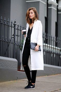 ZOE MICHELLE LOVES THIS BLACK AND WHITE MINIMALIST/CASUAL LOOK WITH NIKE SNEAKERS